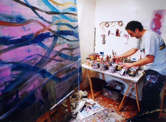 Fran Herreros en su antiguo estudio. Fotografía de Fede. 2009.